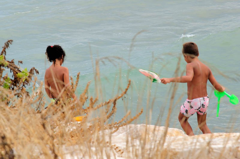 Children on a balmy day in August at Vinaros
