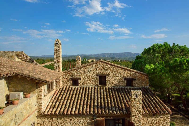 Clos Desgarracordes has beautifully restored stonework