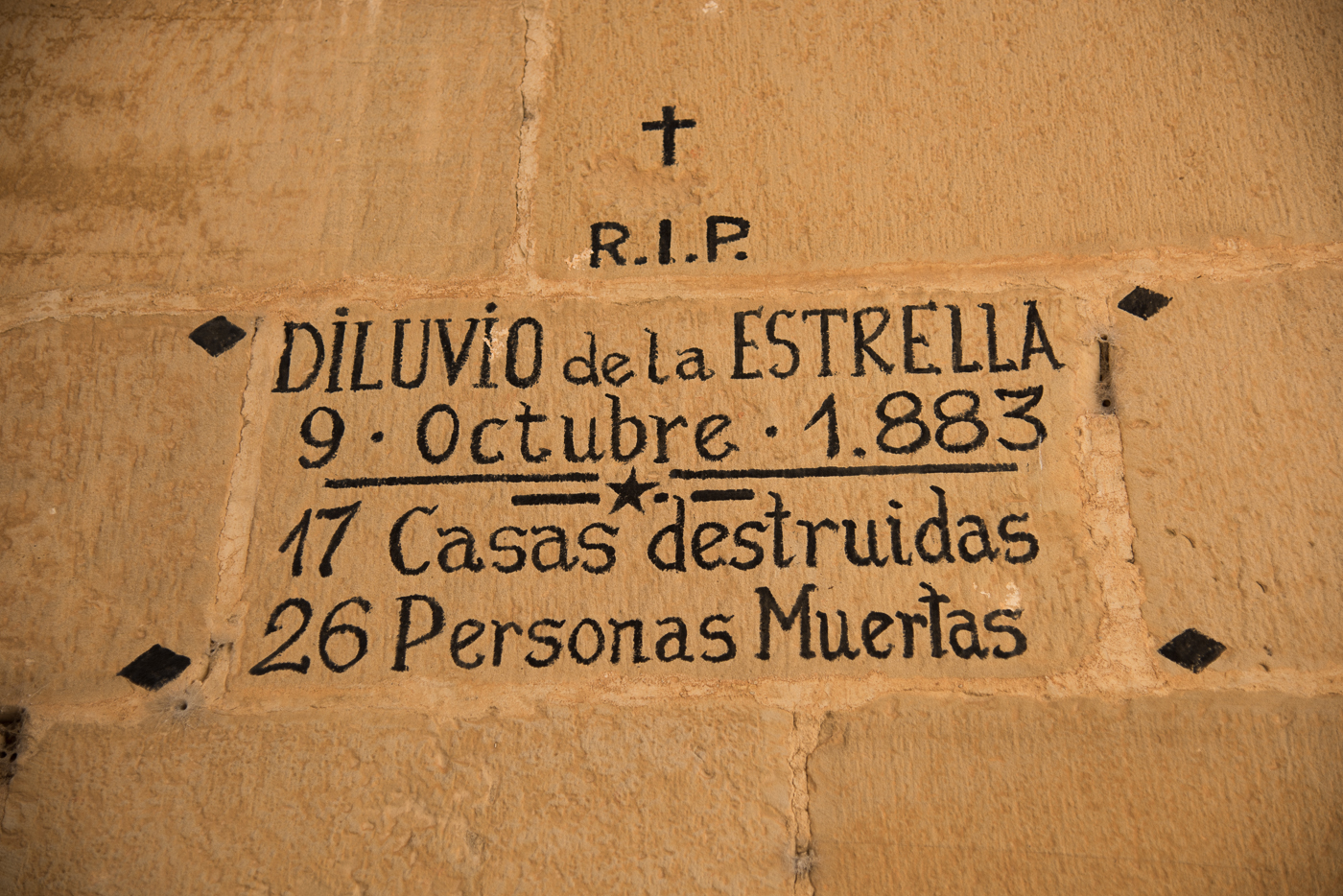 In memory of those who died in La Estrella's flood