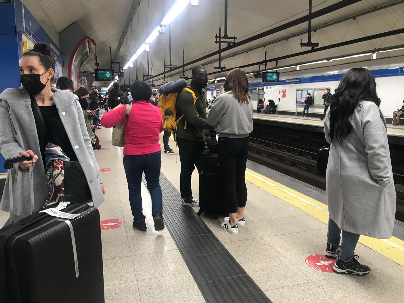 Madrid Metro, 14.30 during Covid
